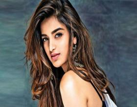Nidhhi To Join the Sets of 'iSmart Shankar'