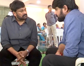 Chiranjeevi Met Srikanth to Console on his Fathers Demise