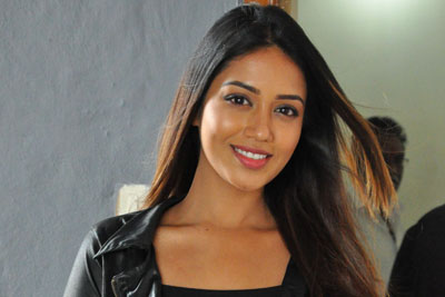 Nivetha Pethuraj Interview Stills at Mental Madilo