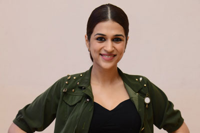 Shraddha Das At Brahmaramba Theatre For PSV Garuda Vega