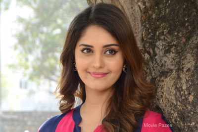 Surabhi at Okka Kshanam Teaser Launch