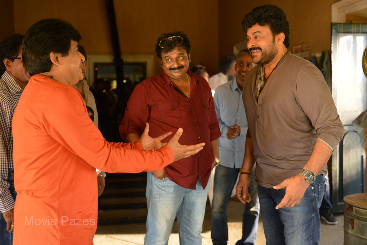 chiranjeevi-at-150th-movie-shoot