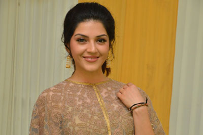 Mehreen Pirzada Stills at Gopichand New Movie Opening