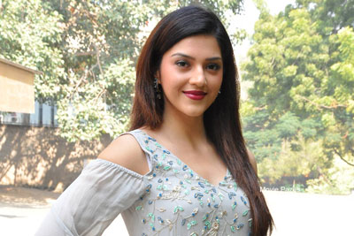 Mehreen Pirzada at Jawaan Movie Pre Release Event