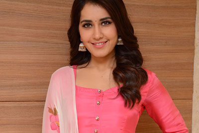 Raashi Khanna At Tholi Prema Success Meet