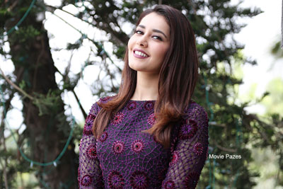 Raashi Khanna's Latest purple charm
