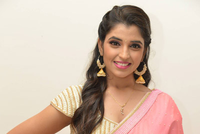Anchor Shyamala at Aravinda Sametha Success Meet Event