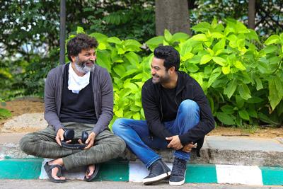 aravinda-sametha-movie-team-working-stills