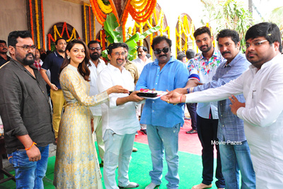 bellamkonda-srinivas-and-kajal-new-movie-opening-still
