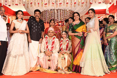 dr-rajasekhar-and-jeevitha-stills-at-his-nephew-wedding