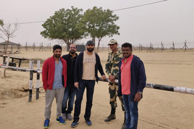hero-gopicchand-at-indian-border