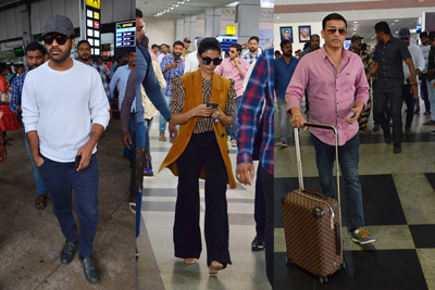 jaanu-team-found-in-vizag-airport