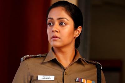 jyothika-stills-from-the-movie-jhanshi