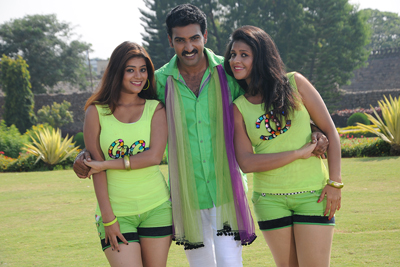 kakatheeyudu-movie-stills