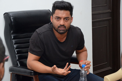 Kalyan Ram Interview Stills For Naa Nuvve