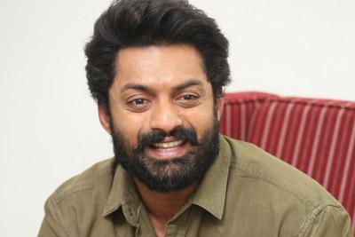Kalyan Ram Stills At Interview About Entha Manchivaadavuraa