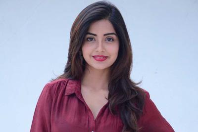 kashmira-pardesi-stills-at-narthana-shala-teaser-launch