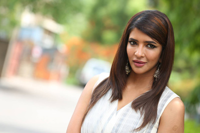 manchu-lakshmi-stills-at-wife-of-ram-pressmeet