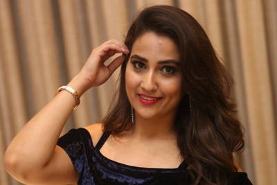 manjusha-stills-at-naa-nuvve-audio-launch