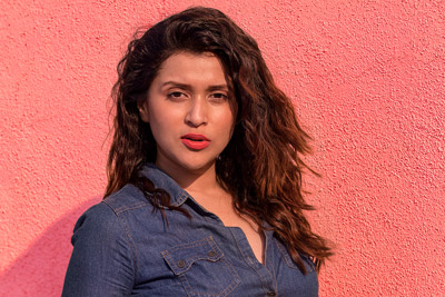 mannara-chopra-latest-stills-in-denims