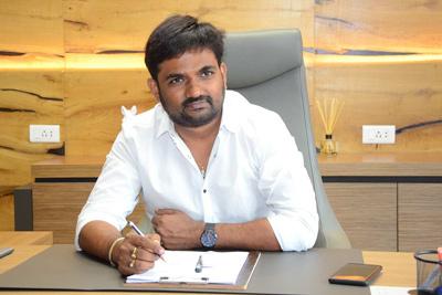 Maruthi Interview Stills About Brand Babu
