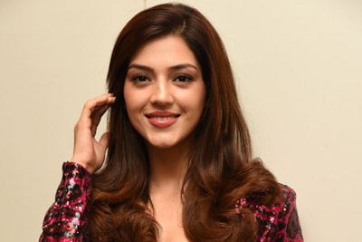 mehreen-pirzada-at-f2-movie-pre-release-event