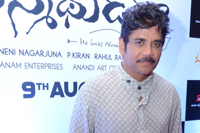nagarjuna-at-manmadhudu-2-trailer-launch