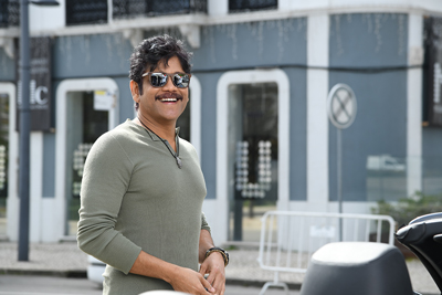 nagarjuna-new-stills-from-manmadhudu-2