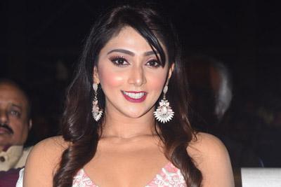 Natasha Doshi at Entha Manchivaadavuraa Movie Pre Release Event