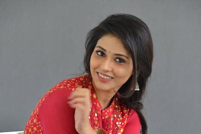 priyanka-jawalkar-stills-at-interview-for-taxiwala