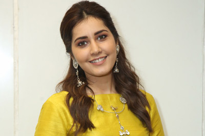 Raashi Khanna at Kausalya Krishamurthy Movie Pre Release Event