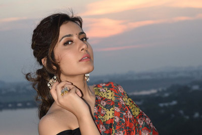 Raashi Khanna Photo Shoot At Sunset
