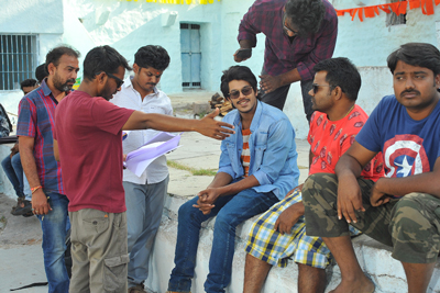 raj-dooth-movie-team-working-stills