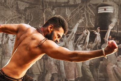 ram-stunning-still-from-the-movie-ismart-shankar
