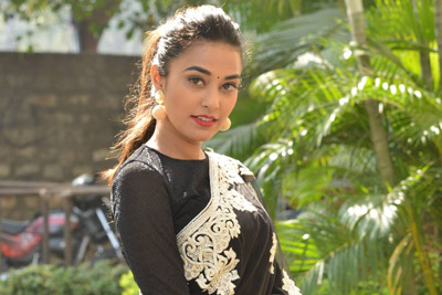 steyfi-patel-at-ninnu-thalachi-movie-team-pressmeet