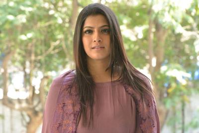 Varalaxmi Sarathkumar Stills at Pandhem Kodi 2 Movie
