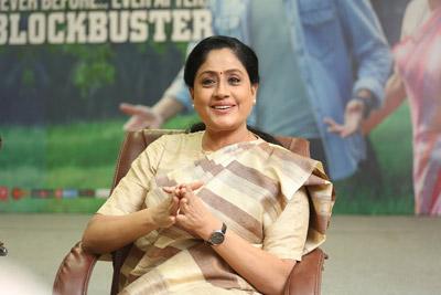 Vijayashanti Stills At Interview About Sarileru Neekevvaru