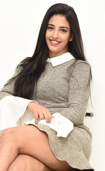 daksha-nagarkar-interview-about-husharu