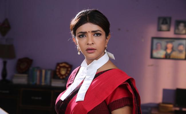 Lakshmi Prasanna as Judge