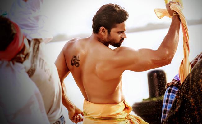 sai-dharam-tej-to-flaunt-his-6-pack-in-prati-roju-pandage