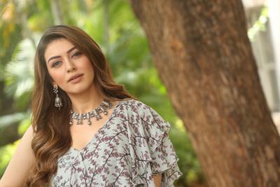 hansika-at-tenali-ramakrishna-ba-bl-teaser-launch