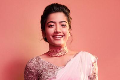 rashmika-mandanna-photoshoot-stills-in-pink-saree