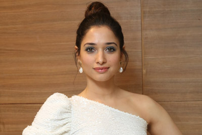 tamannah-at-action-movie-telugu-pre-release-event
